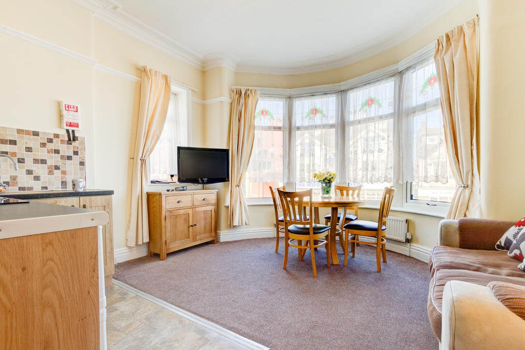 Beachcliffe Holiday Apartments Blackpool - Blackpool Hotels