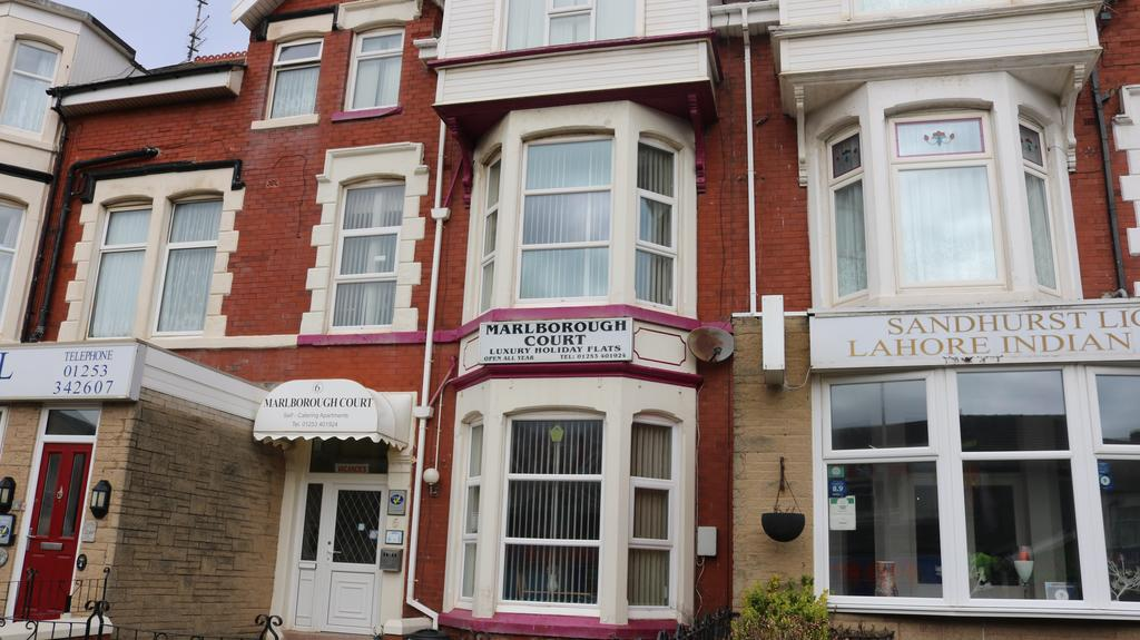 Marlborough Court Holiday Apartments Blackpool
